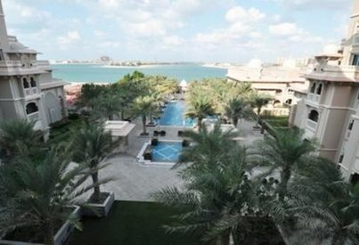 Neighborhood Overview of Grandeur Residences, Dubai