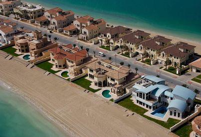 Neighborhood Overview of Signature Villas, Dubai