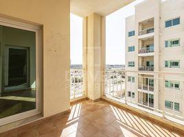недвижимость, 2 спальни на продажу в Queue Point, Дубай Mazaya 30
