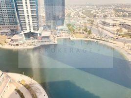 недвижимость, 3 спальни в аренду в Green Lake Towers, Дубай Green Lake Tower 1