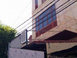 金边 Boeng Kak Ti Pir Flat For Rent in TUOL KORK ( Main Road ), 5 Bedrooms, $1,200/m ផ្ទះល្វែងសំរាប់ជួលនៅទួលគោក (ផ្លូវធំ), ៥បន្ទប់, តម្លៃ $1,200/ខែ 5 卧室 房产 租