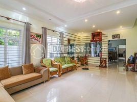 5 Bedrooms Property for sale in Sla Kram, Siem Reap House for Sale in Siem Reap-Svay Dangkum