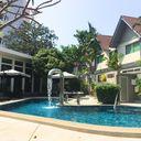 Chateau Dale Tropical Pool Villas