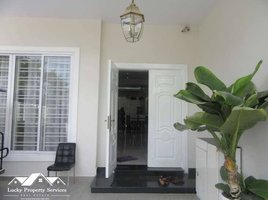 Banteay Meanchey Kampong Svay 4 Bedrooms Villa Twin for Sale in Sen Sok 4 卧室 别墅 售