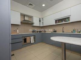 недвижимость, 3 спальни в аренду в Tiara Residences, Дубай Emerald
