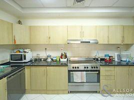 Квартира, 3 спальни на продажу в Lake Almas West, Дубай The Palladium