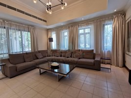 4 Bedrooms Villa for rent in Naif, Dubai Fully Furnished -Golf M'ship - Bills Included - City Centre