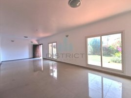 3 Bedrooms Property for rent in Jumeirah 2, Dubai Very Close to Beach - Spacious Garden - Maids Room