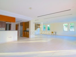 4 Bedrooms Property for sale in European Clusters, Dubai Vacant on Transfer | Well Maintained | District 4
