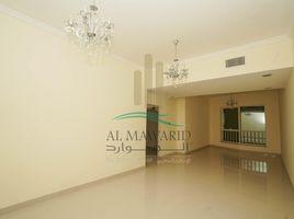 沙迦 Al Majaz 3 Sarh Al Emarat Tower 3 卧室 房产 租