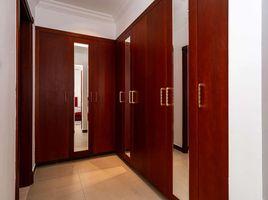 5 Bedrooms Property for sale in Fire, Dubai Orange Lake