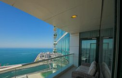 Oceanfront Unit in Dubai