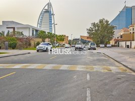 Studio Property for rent in Jumeirah 1, Dubai Prime| Accessible Location| Huge Plot| Negotiable
