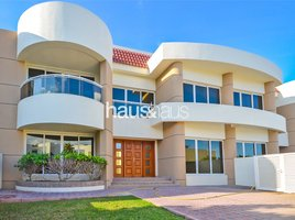 4 Bedrooms Property for rent in Jumeirah 1, Dubai Highly Upgraded | Private Garden | Shared pool