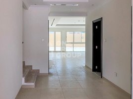 4 Bedrooms Property for sale in Villa Lantana, Dubai Vacant 4D2 |Huge Plot |Single Row |Top Location