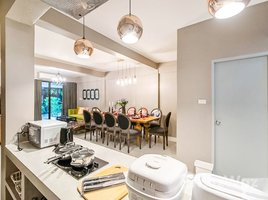4 Bedrooms Townhouse for rent in Si Phraya, Bangkok House For Rent in Saladaeng Silom Area
