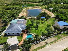 班武里府 Pran Buri Lovely Land with Villas Approximately 6 Rai for Sale at Pran Buri N/A 土地 售