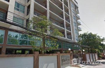 C Place Ladprao 18 in Din Daeng, Bangkok