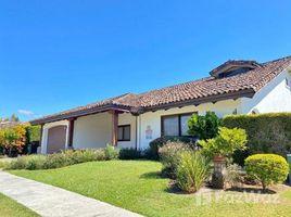 4 Habitaciones Apartamento en alquiler en , San José House for Rent Gated Community Bosques de Lindora Santa Ana Appliances