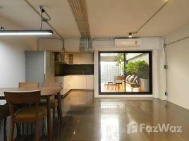 5 chambres Maison de ville a louer à Khlong Tan Nuea, Bangkok Loft style Townhouse for Rent in Ekkamai
