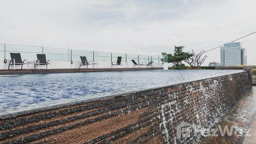 3D Walkthrough of the Communal Pool at Life at Ratchada - Suthisan