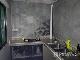 佛统 Bang Toei Baan Pruksa 83 Boromratchonnanee-Sai 5 3 卧室 联排别墅 租
