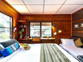 3 Bedrooms House for sale in Khlong San, Bangkok 2 Storey Wooden House near BTS Krung Thonburi