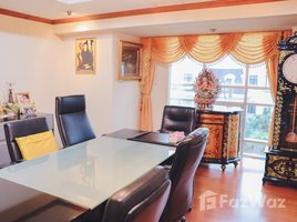 11 Bedrooms Townhouse for sale in Arun Ammarin, Bangkok Outstanding Townhouse in Bangkok Noi for Sale
