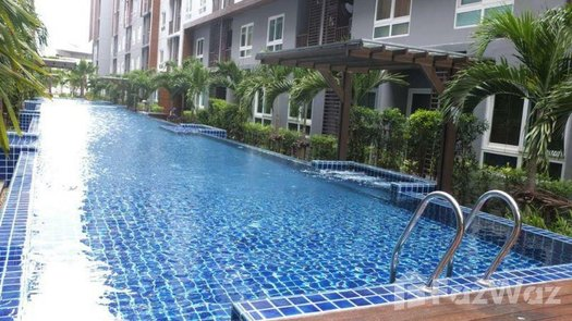Photos 1 of the Piscine commune at The Trust Central Pattaya