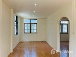 3 Bedrooms Townhouse for sale in Choeng Noen, Rayong 2 Storey Townhouse in City of Rayong