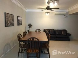 3 Bedrooms Townhouse for rent in Lumphini, Bangkok Townhouse on Lang Suan