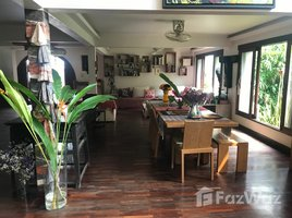 5 Bedrooms House for sale in Phlapphla, Bangkok UNIQUE Villa, Office/Workshop, garden & swimming pool