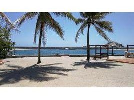 N/A Terreno (Parcela) en venta en , Islas De La Bahia Overlooking the Marina, Roatan, Islas de la Bahia