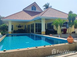 班武里府 Wang Phong Detached Villa with Stunning Mountain View in Pran Buri 2 卧室 房产 售