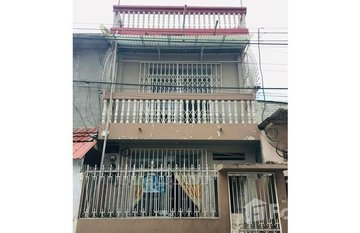 Three Apartment Income Property For Sale in Guayaquil, Guayas