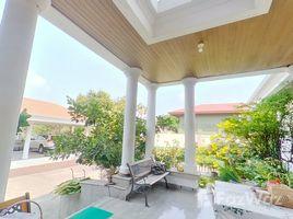 8 Bedrooms House for sale in Bang Chak, Bangkok 8 Bedroom Pool Villa For Sale In Onnut