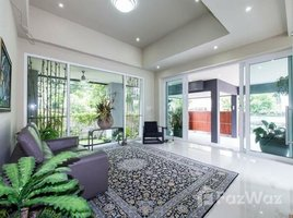 5 Bedrooms Villa for sale in Phra Khanong Nuea, Bangkok House with Private Lift and Pool Sukhumvit 65