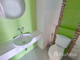 3 Bedrooms Condo for rent in Khlong Toei, Bangkok Newton Tower