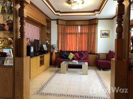 4 Bedrooms House for sale in Ban Waen, Chiang Mai Ban Waen House Beside Main Road