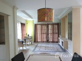 3 Bedrooms Property for sale in Dokmai, Bangkok Mantana Village Rama 9