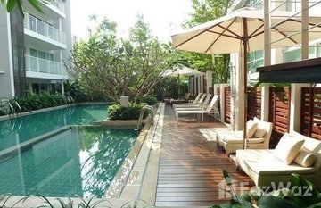 Haven Phaholyothin in Sam Sen Nai, Bangkok