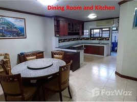 4 Bedrooms Townhouse for rent in Chomphon, Bangkok Townhouse for rent 550m from MRT Ladprao station