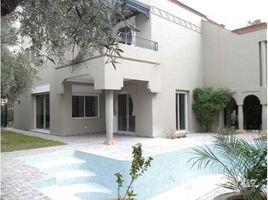 4 غرف النوم فيلا للبيع في NA (Menara Gueliz), Marrakech - Tensift - Al Haouz Proche du golf d'Amelkis.Belle villa.
