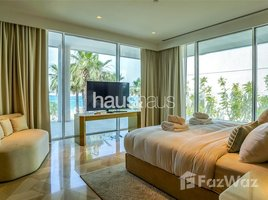 3 Bedrooms Townhouse for sale in Shoreline Apartments, Dubai 7,800 Square Foot Town House with Private Pool