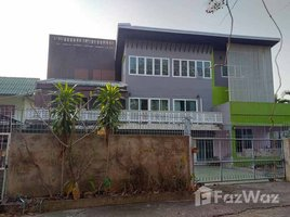10 Bedrooms House for sale in Bo Haeo, Lampang 3 Storey House with Building for Sale in Mueang Lampang