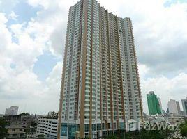 Studio Condo for sale in Khlong Ton Sai, Bangkok Villa Sathorn