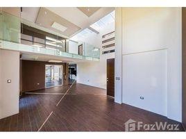 2 Habitaciones Casa en venta en Loja, Loja Modern Home With All the Conveniences  3,476 ft2 (323 m2) 2br/3ba home in gated community, patio,, Loja, Loja
