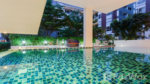 3D Walkthrough of the Communal Pool at Whizdom Punnawithi Station