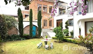 2 Bedrooms Property for sale in Cuenca, Azuay European Style Penthouse with World-Class View