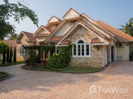 6 Bedrooms Property for sale in Tha Wang Tan, Chiang Mai 6-Bedroom Pool Villa with 3-Bedroom Guest House